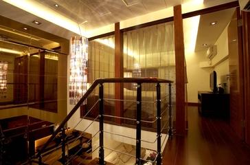 卧室的楼梯转角