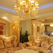 奢华欧式风情四居室欣赏客厅吊顶