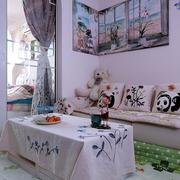 时尚个性小蜗居 客厅照片墙装饰图