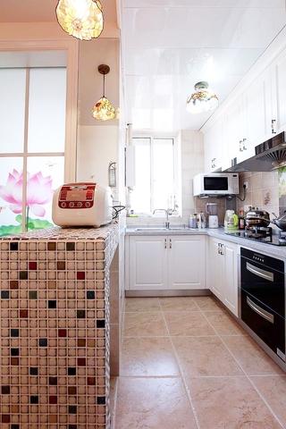 80后小夫妻巧装新居欣赏厨房设计