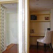 现代复式样板间室内门