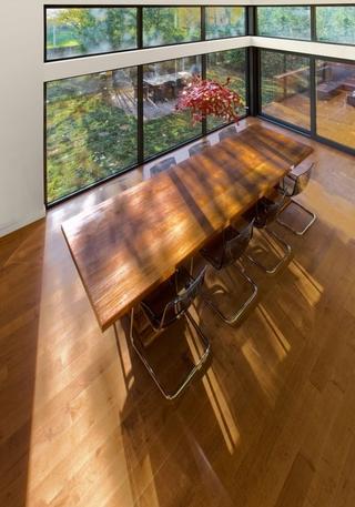 现代极简建筑别墅欣赏餐厅设计