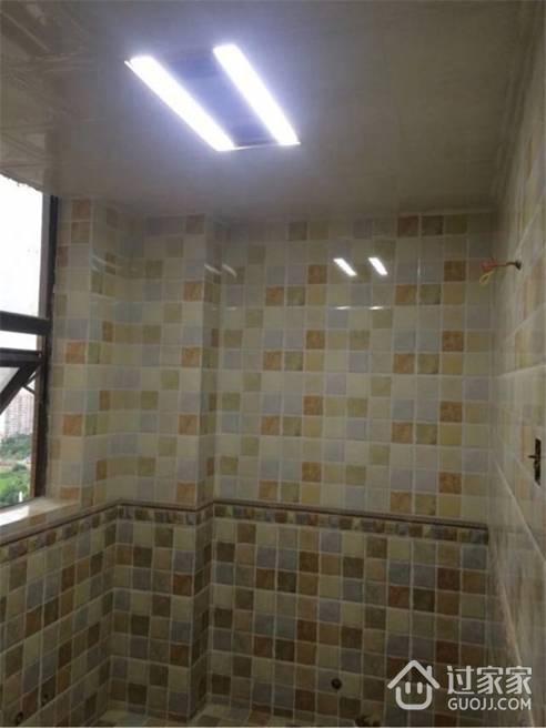 卫生间天花用的是铝扣板吊顶