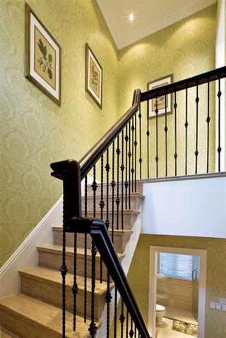 240平奢华欧式大宅欣赏楼梯间
