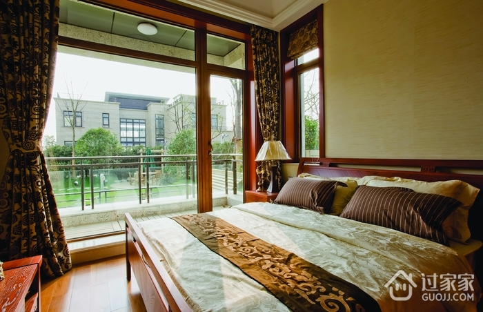 中式家装大窗户卧室装修效果图2014