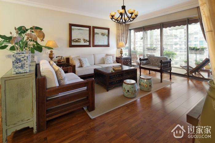 东南亚风格三居室欣赏客厅照片墙