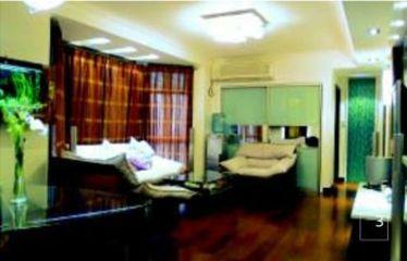 82平方米两室两厅装修 艺术墙纸、轨道灯装饰出的童话世界