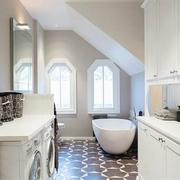 简约白色老公寓改造欣赏卫生间