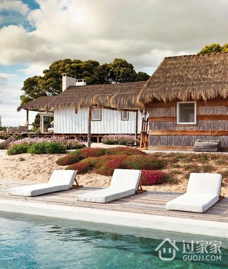 纯天然白色度假别墅欣赏泳池