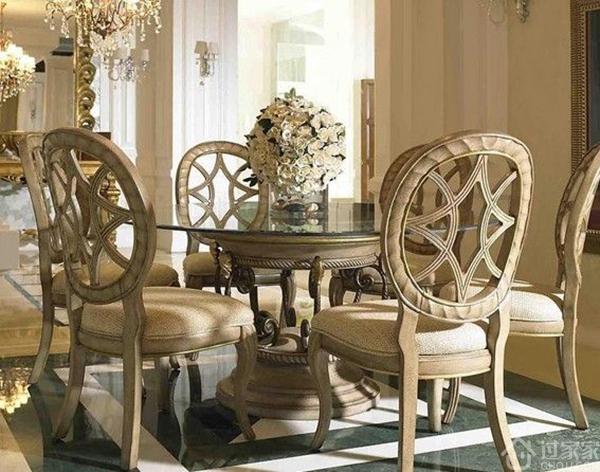 欧式圆餐桌的选购正确姿势,教你如何选择合适的尺寸