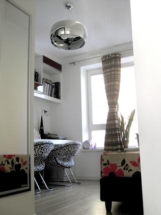 72平现代两居室欣赏书房灯