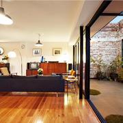 旧仓库改造的豪宅欣赏客厅