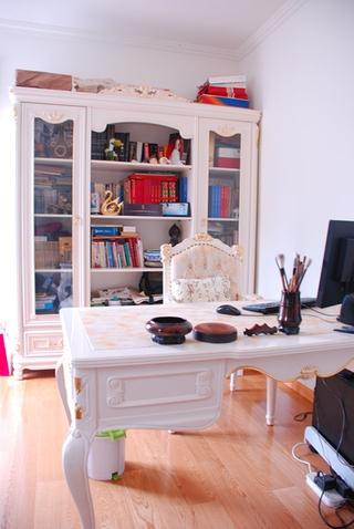 奢华欧式风情四居室欣赏书房书架