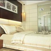 简约三居室样板房案例欣赏卧室背景墙设计