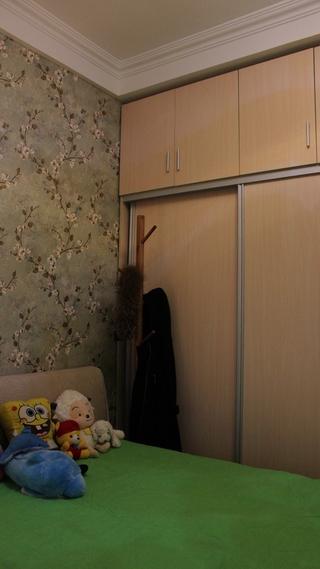 89平简欧三居室欣赏儿童房衣柜