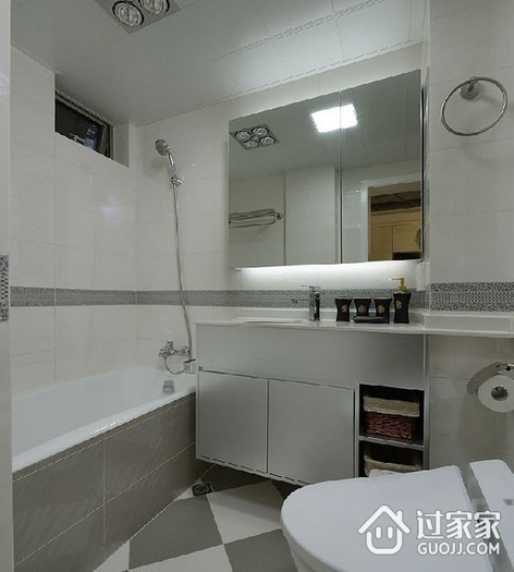 82平现代三居室温馨之家卫生间吊顶