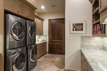 地中海风格装饰图洗衣房