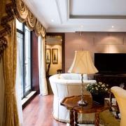 美式风格别墅客厅窗帘装饰效果图