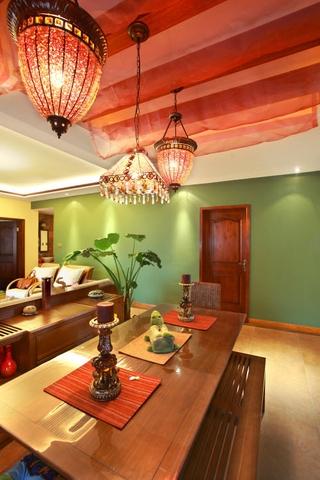 绚丽色彩东南亚住宅欣赏餐厅