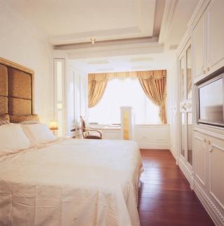 低调气质新古典住宅欣赏卧室衣柜
