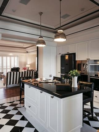 124平现代精致三居欣赏厨房陈设