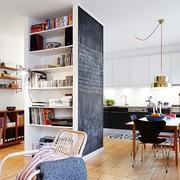 坐拥书墙的宜家两居室欣赏客厅效果