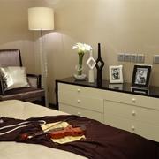 卧室收纳柜装修效果图 有爱的三口之家