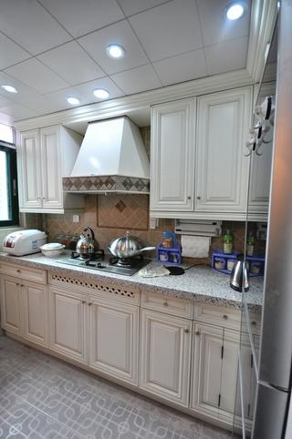 102平美式三居室欣赏厨房橱柜设计