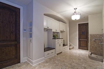 欧式古典别墅装饰套图入户厅设计