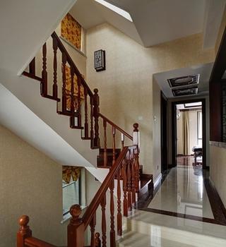 中式优雅复式住宅欣赏楼梯间
