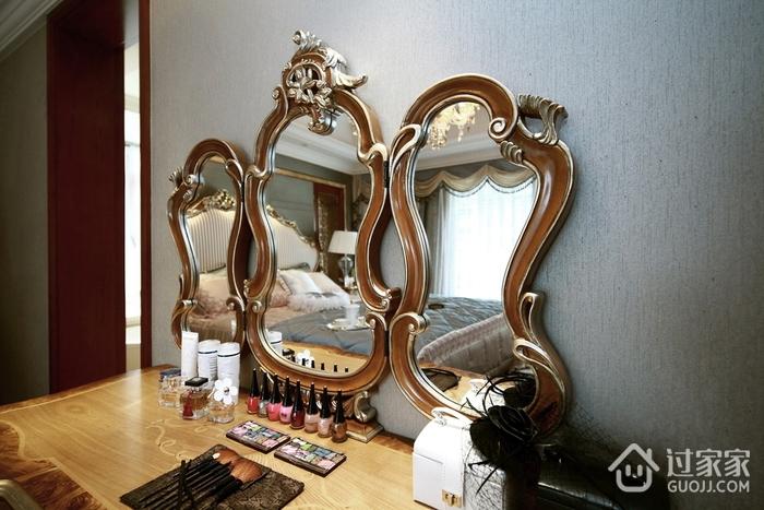 87平贵气美式三居室欣赏卧室梳妆台