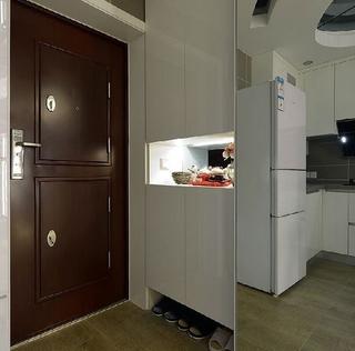 82平现代三居室温馨之家玄关鞋柜设计