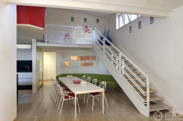 这样装修跃层室内水泥楼梯也是不错的方法呢!