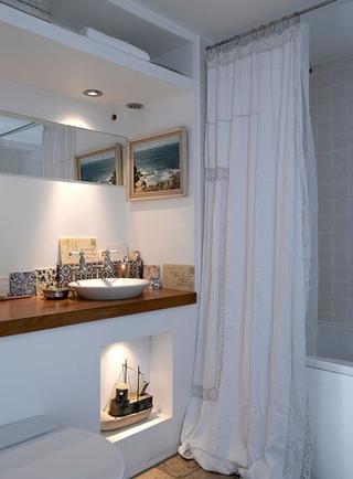 蓝色简约一居室欣赏洗手间