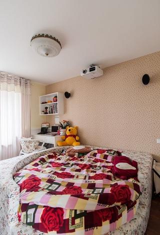 温馨田园卧室床摆放图 女儿的房间