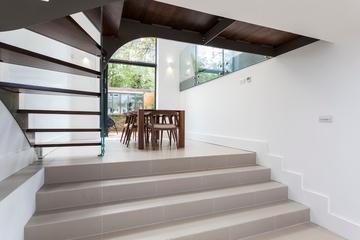 现代时尚装饰效果图楼梯过道