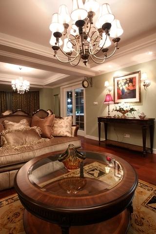 130平美式四室两厅欣赏客厅设计