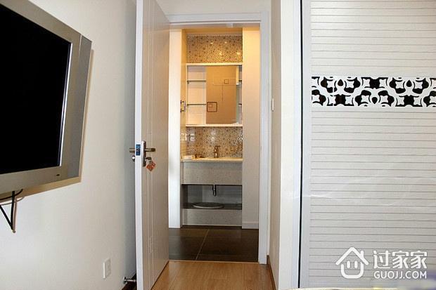 67平简约两室两厅住宅欣赏卧室室内门