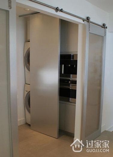 现代风三居室案例住宅欣赏室内门
