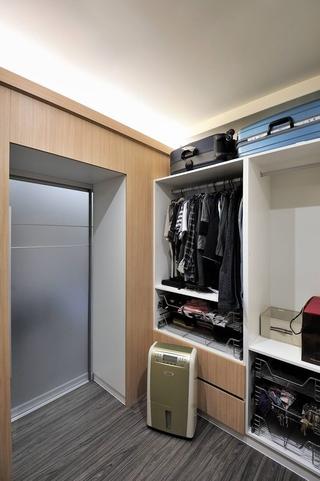 121平流程现代住宅欣赏入户厅