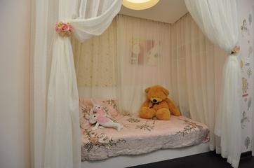 89平新古典三居室欣赏卧室局部