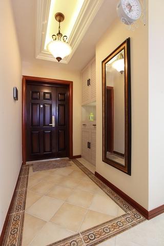 美式风三居室案例欣赏玄关吊顶