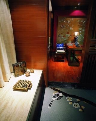 雅致中式三居室欣赏卧室飘窗