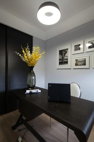 现代风三居室案例欣赏书房照片墙