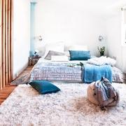 老房改造简约三居室欣赏卧室陈设