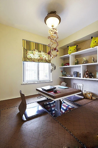 客厅榻榻米装修效果图 会收纳的小空间