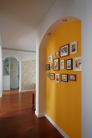 缤纷客厅照片墙装饰图 完美的74平二居室