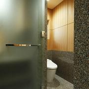 89平日式温馨复式楼欣赏卫生间