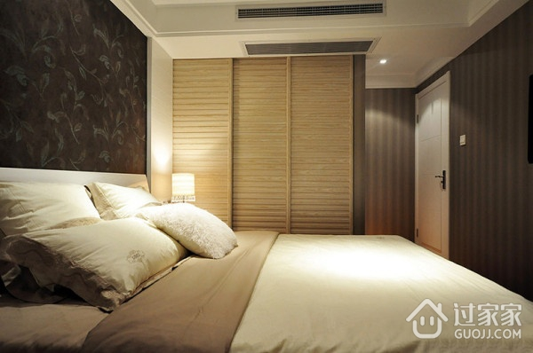 卧室衣柜装修效果图 温馨的小窝