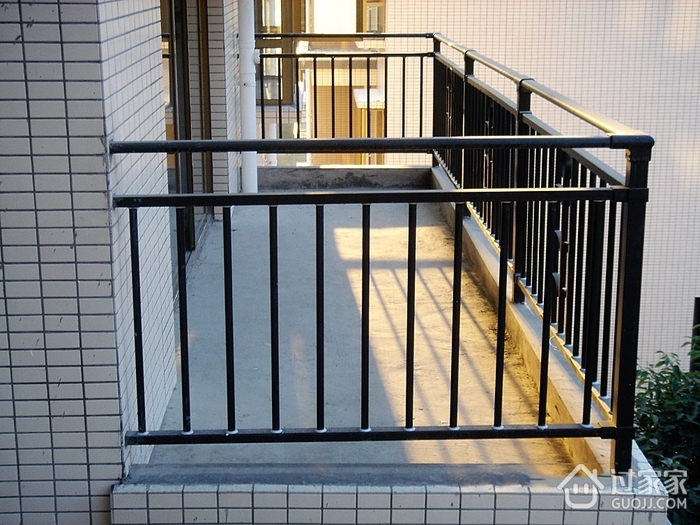锌钢阳台护栏的产品特点